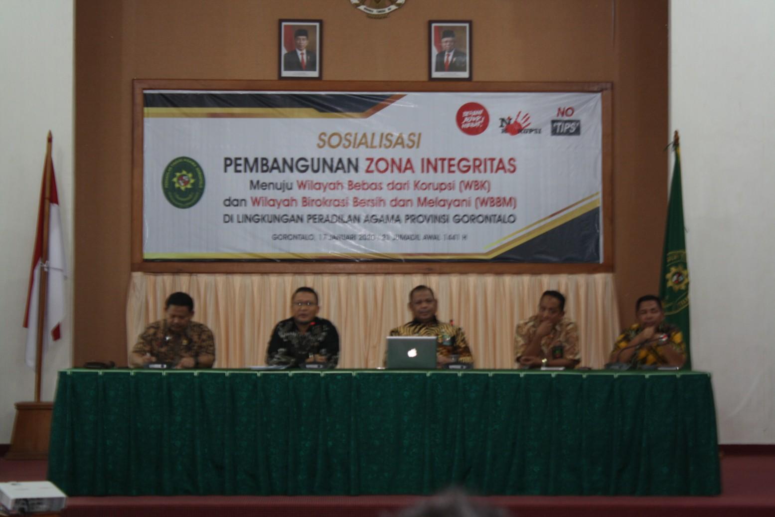 PA Gorontalo menjadi Narasumber dalam Sosialisasi Pembangunan ZI di PTA Gorontalo | (21/1)